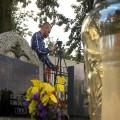 Tomasz Gromadzki wymyślił, że będzie transmitował w internecie pogrzeby