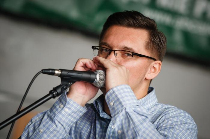 Już w podstawówce Marcin Krupa zaczął grać w zespole muzycznym