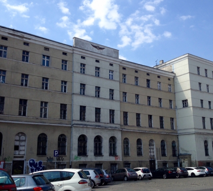 Budynek biurowy przy starym dworcu