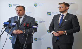 Marszałek Jakub Chełstowski i członek zarządu woj. śląskiego, Michał Woś.