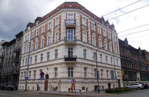 Kolejna kamienica w centrum Katowic wygląda jak nowa