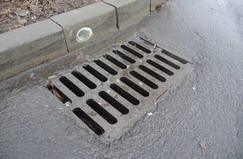 W Szopienicach i Borkach z kanalizacji wylewają się ścieki. Będzie remont