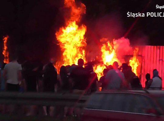 Kibolska akcja w centrum Katowic. Interweniowała policja [WIDEO]