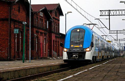 Dowód rejestracyjny zamiast biletu. Koleje Śląskie znów będą wozić za darmo