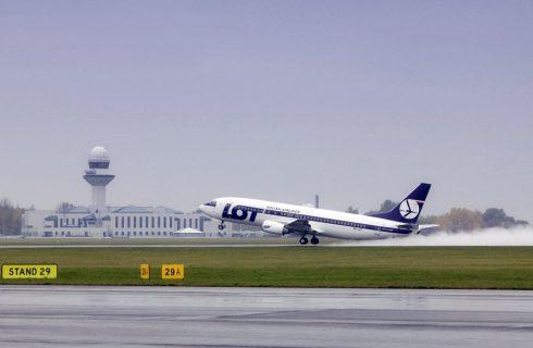 Więcej lotów z Katowic do Warszawy