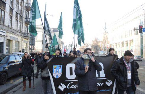 Narodowcy manifestowali w Katowicach przeciwko muzułmanom