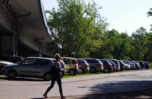 Powstanie 80 nowych miejsc parkingowych