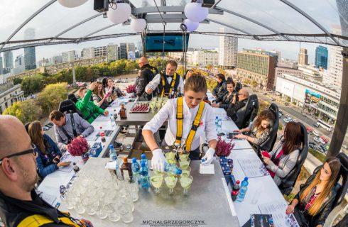 W SCC można wygrać obiad, który zostanie podany na wysokości 50 metrów nad ziemią
