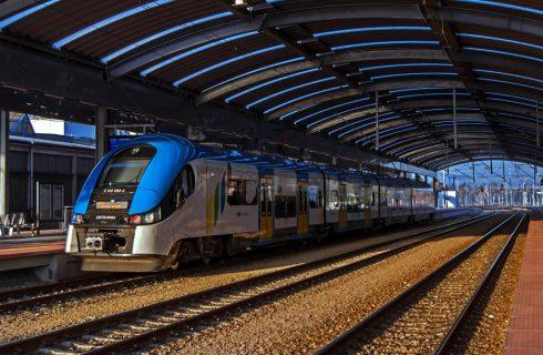 Dodatkowe autobusy i pociągi na Noc Muzeów