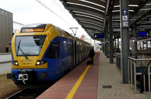 Jeden bilet na pociąg, autobus i tramwaj jest możliwy, ale nie szybko