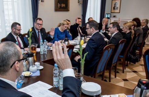 Marszałek likwiduje biuro woj. śląskiego w Brukseli i zwalnia ludzi