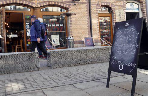 Posypały się pierwsze kary dla restauracji w Katowicach, ale przedsiębiorcy nie odpuszczają